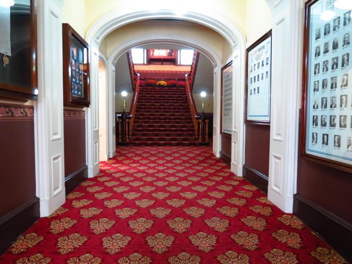 Rich, sumptious carpet. What a grand entrance