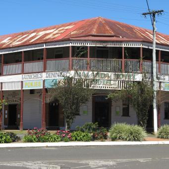Malanda Hotel/Pub