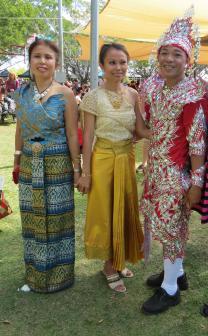 Thai/Laos dancers