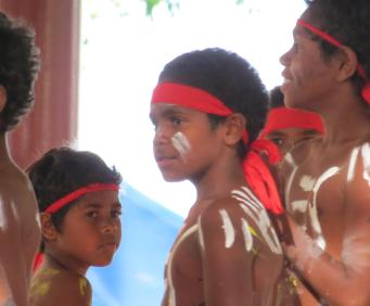 Young Aboriginal dancers