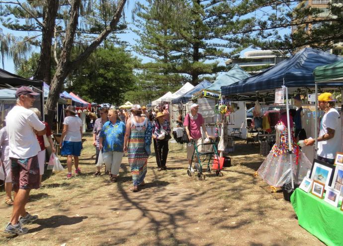 Sunday beach markets pc 048_3144x2262