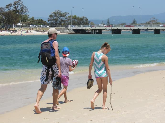 Sunday beach markets pc 120_4000x3000