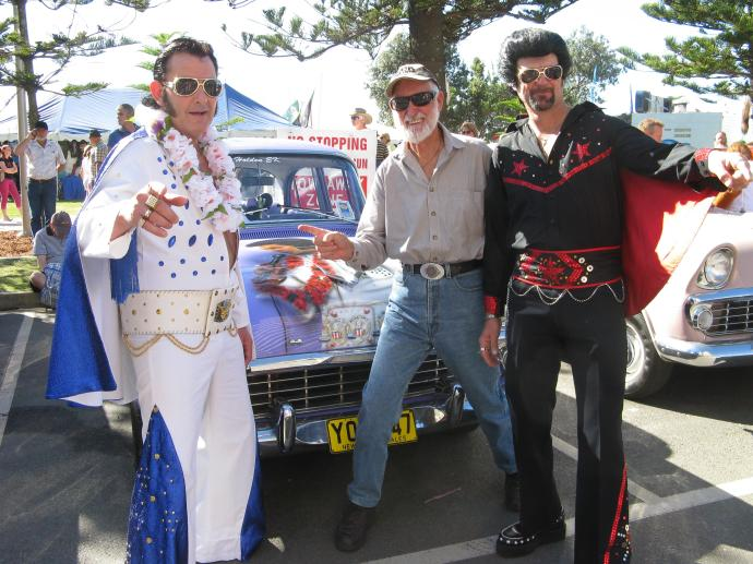 Now who is that with TWO Elvises or this that Elvii???