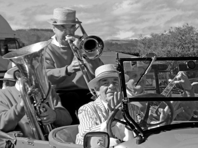 jazz tauranga jc 106 b&w