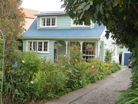 Akaroa Giart house garden PC 064_4000x3000