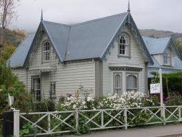 Akaroa Giart house garden PC 066_4000x3000