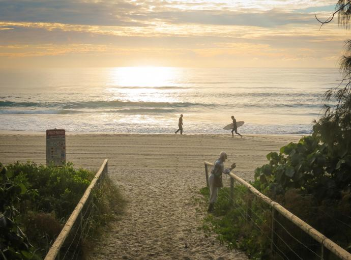 burleigh beach morning walk-2_3798x2814