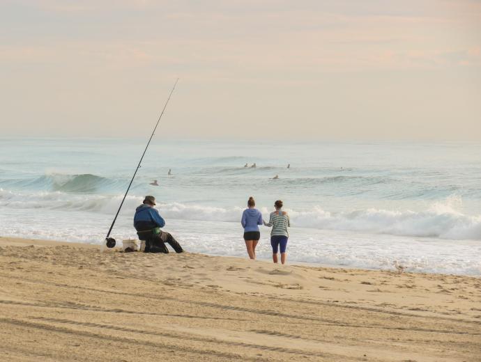 burleigh beach morning walk fisher man_3548x2677