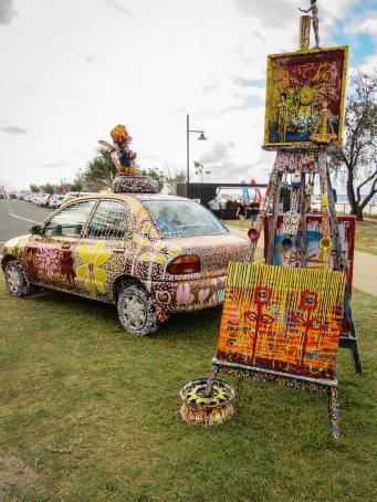 Graffitti car