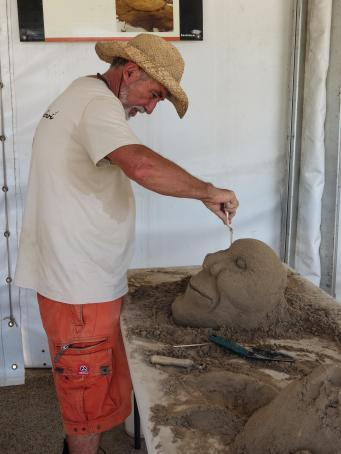 surfers sand sculpture lr 2-3_3000x4000