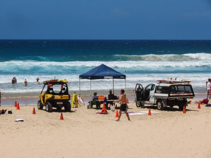 surfers sand sculpture lr-4_4000x3000